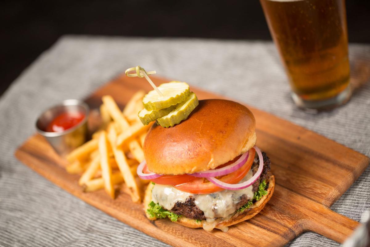 Weber Grill Restaurant Classic Burger