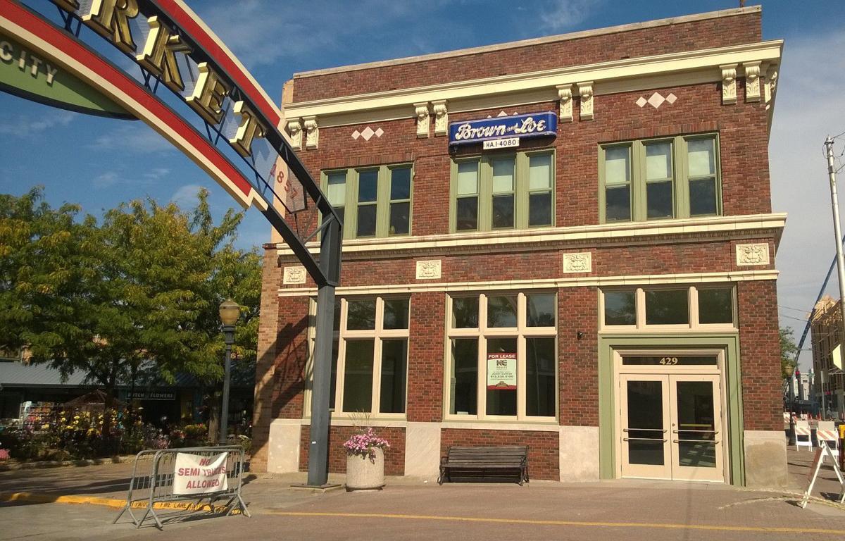 Brown loe opens in city market serving american comfort food kansas city restaurant news for American exteriors kc