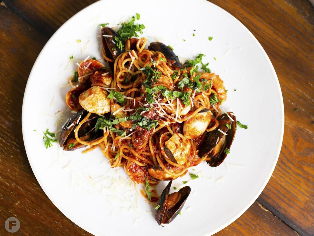 OssoBuco Italian American Bistro Spaghetti Frutti di Mare