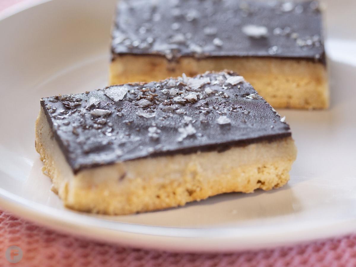 VanDeli salted tahini caramel bar