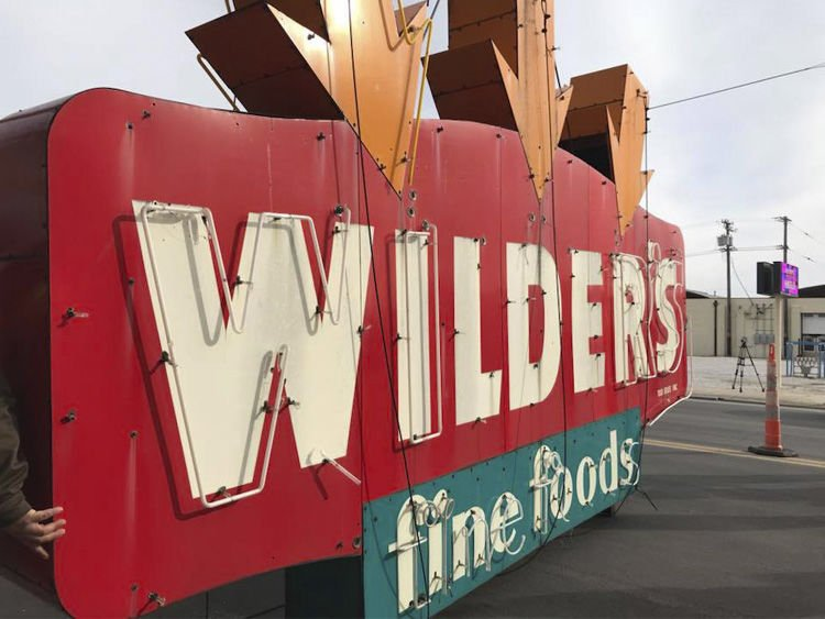 Wilder's Steakhouse Sign
