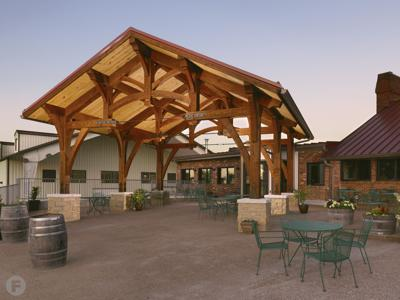 Les Bourgeois Vineyards Exterior