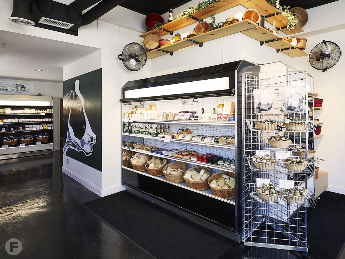 Geo's Cheese Interior
