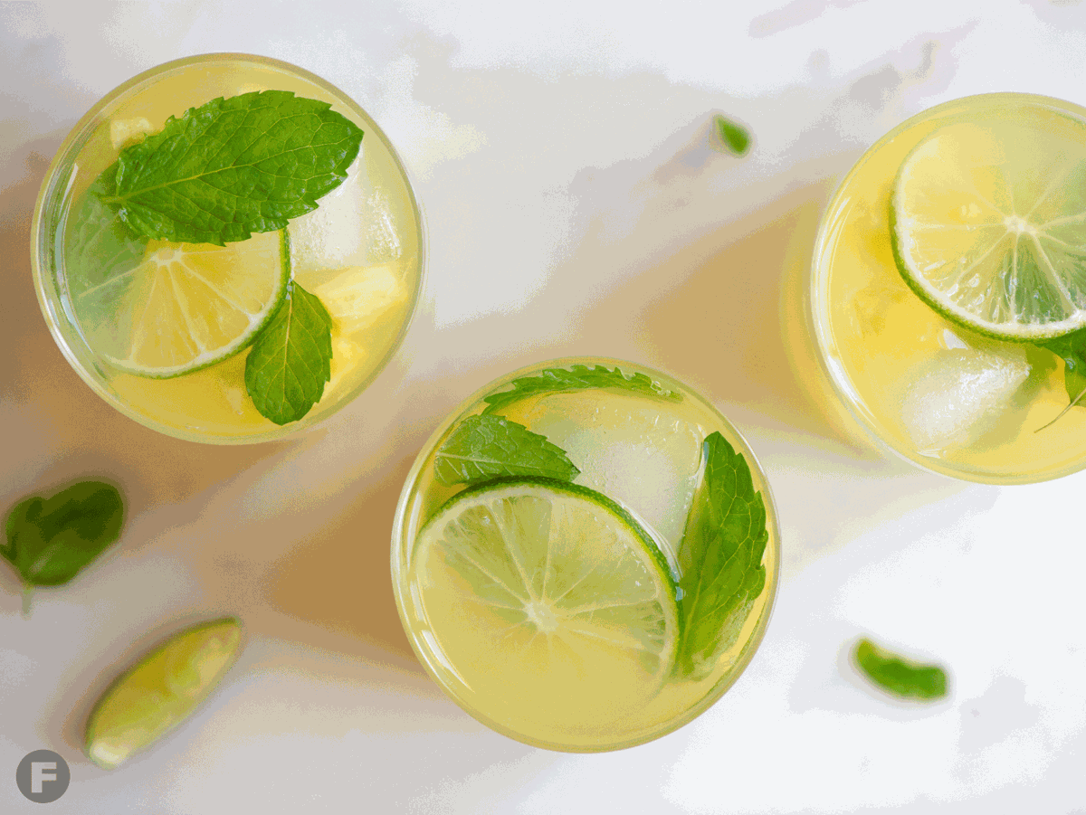 Pineapple-Mint Spritzers