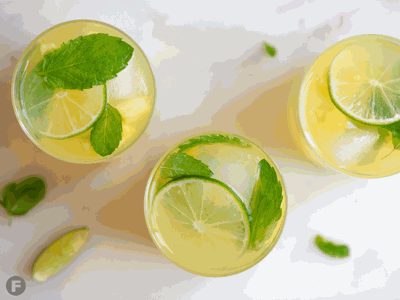 Pineapple-Mint Spritzers