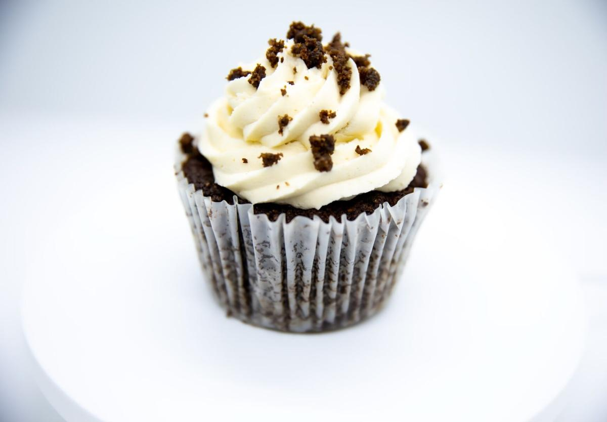 Perfectly Pastry keto cupcake