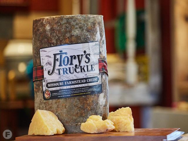 Der Kase Flory's Truckle