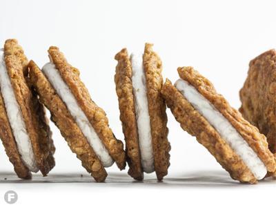 Oatmeal Crème Pie Sandwich Cookies