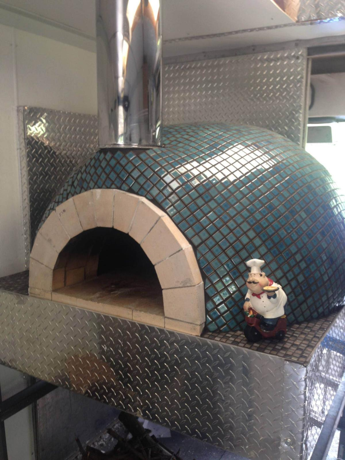 Pyro Pizza Wood-fired Brick Oven