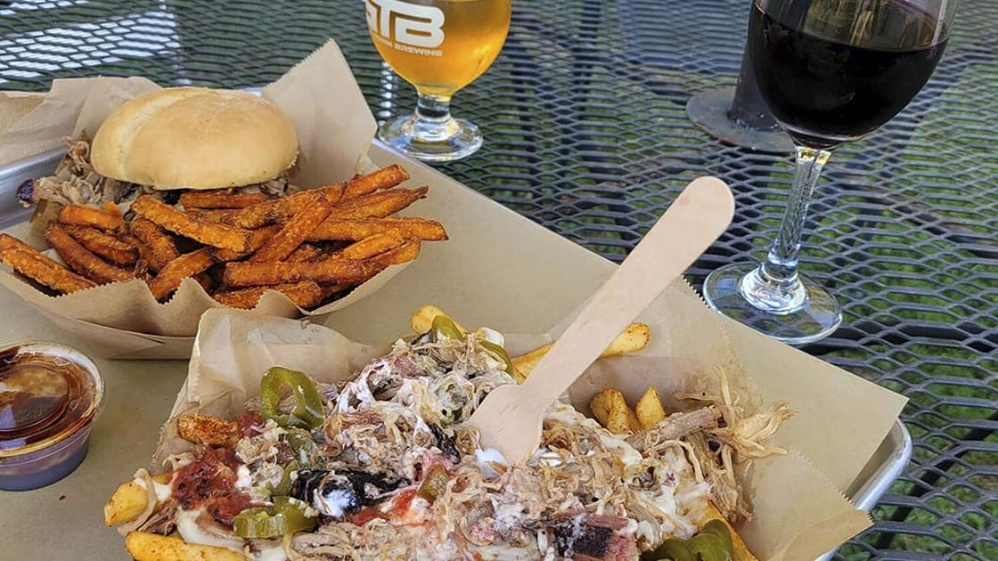 In Phillipsburg, Boondocks Kitchen serves up smoked meats and stone-fired pizza in Boat Town Brewing's backyard