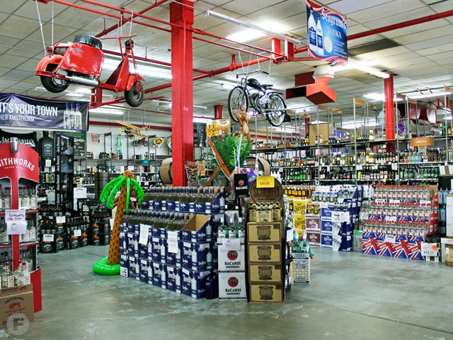 Randall's Wines & Spirits Interior