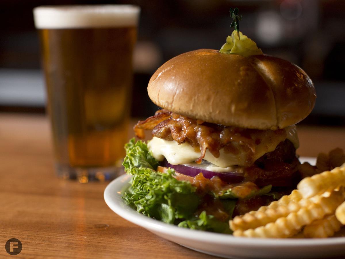 Hoppers Pub Jam Burger