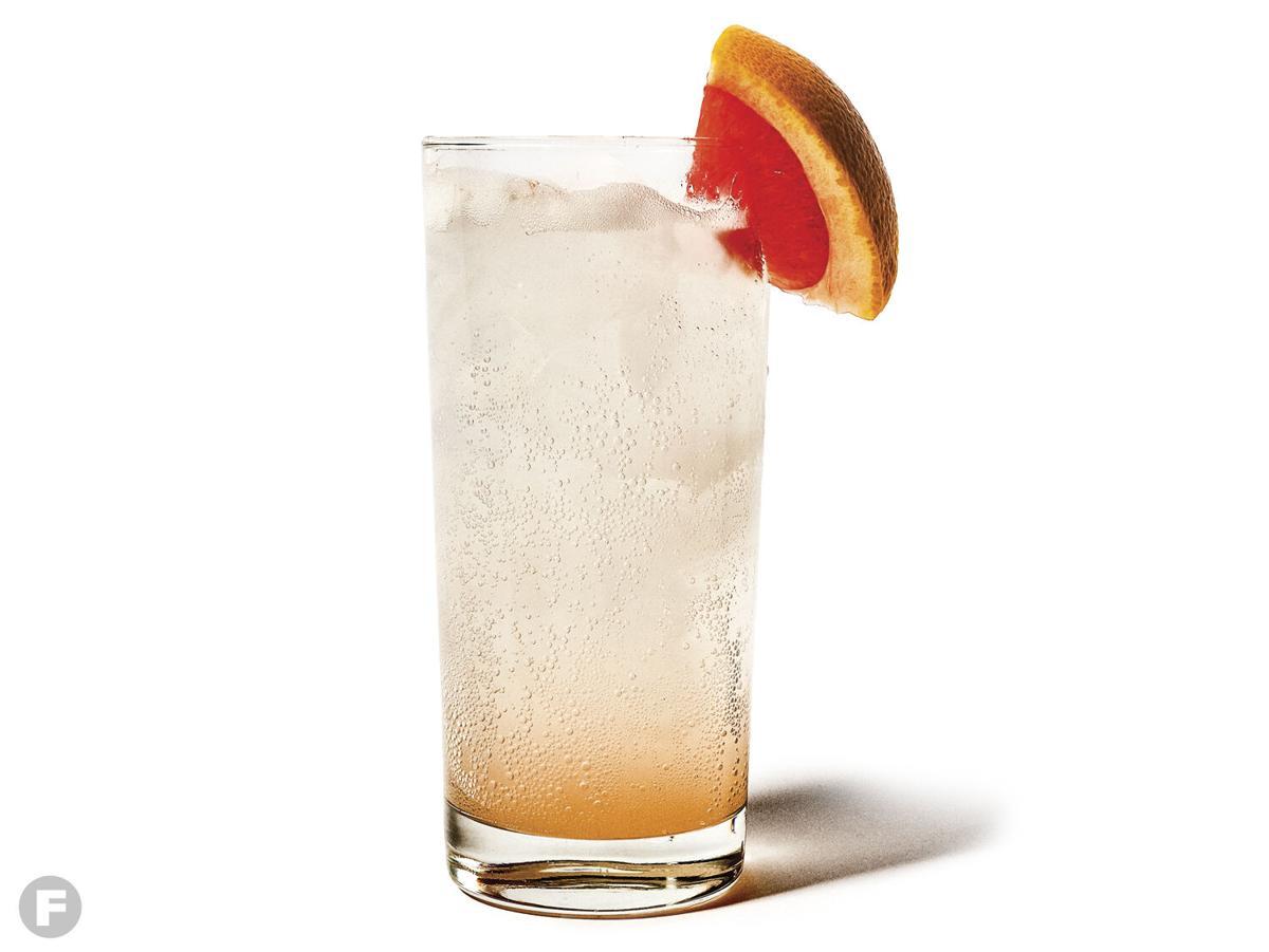 Grapefruit-Cardamom Gin Fizz