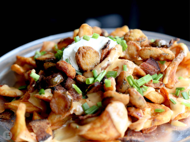 The Sliced Pint Loaded Fries