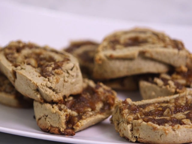 Persian Date and Walnut Cookies