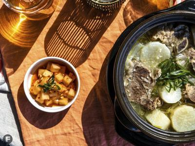 Kkakdugi (Radish Kimchi)