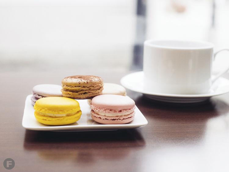 European Café Macarons