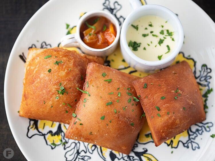 Chatawa and Grand Pied garlic beignets