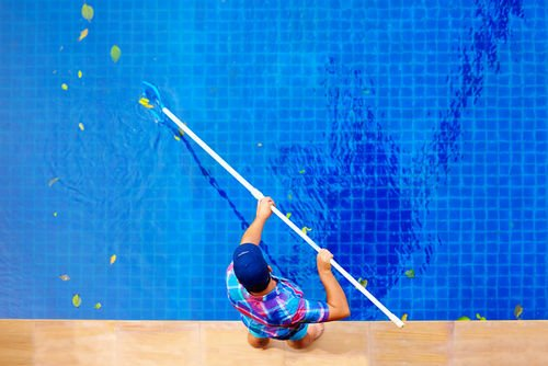 7 Tips in Choosing a Professional Pool Service