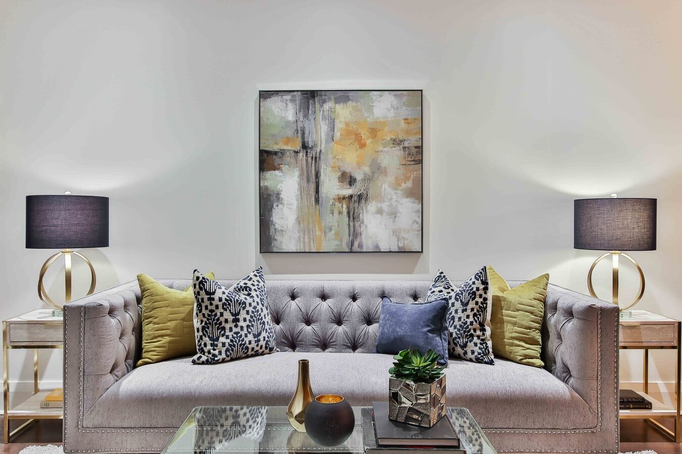 How to Easily Improve Your Living Room Decor