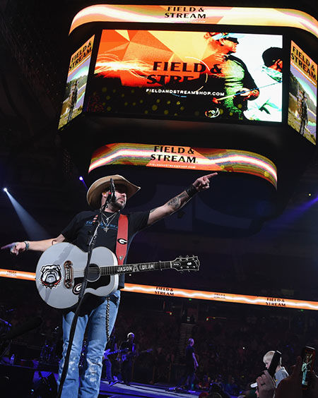 Jason Aldean Fires Up The Crowd With Surprise Concert At Bassmaster Classic's Opening Night
