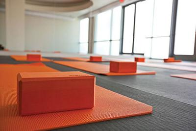 New Yoga Spot In San Diego Yoga Six In Solana Beach Health Wellness Finehomesandliving Com
