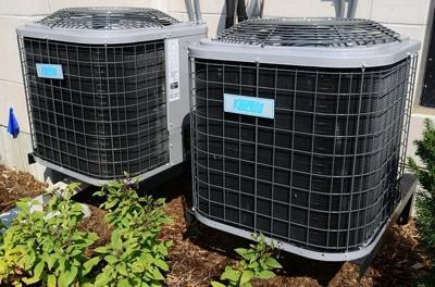 Which is better an AC with inverter technology or a normal split AC?