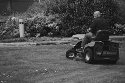 How to Choose the Right Lawn Mower for Your Lawn