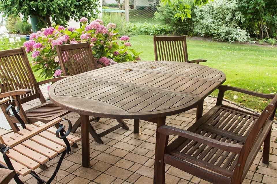 How to Properly Clean Your Outdoor Furniture