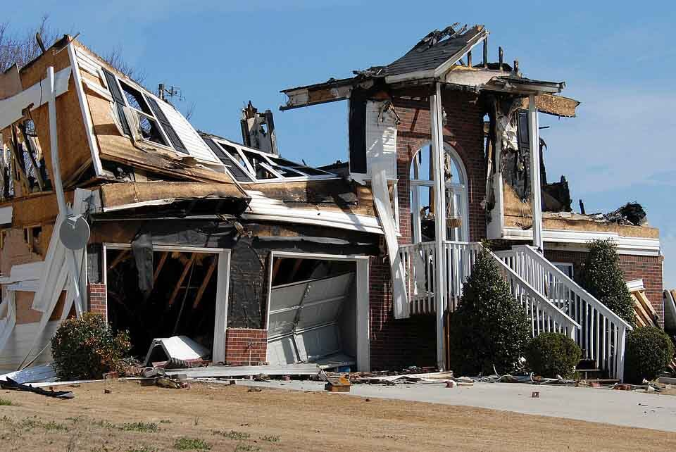 What You Should Do With Your Fire Damaged House