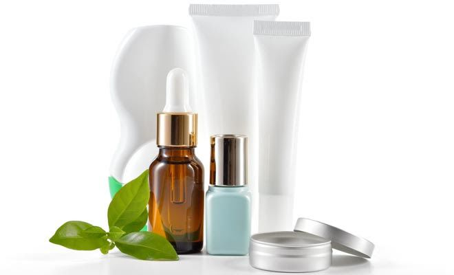 Role of Peptides In Anti-Aging Eye Creams