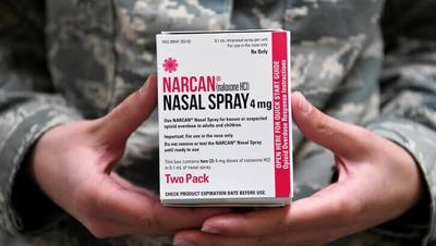 Narcan in hand_725.jpg