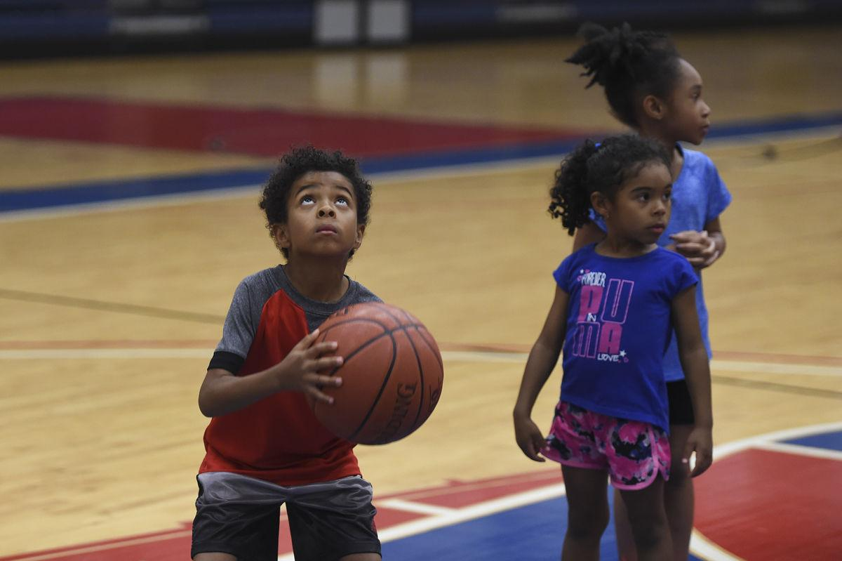 95ce52b7306 All-Army men's team hosts youth basketball clinic | Sports ...