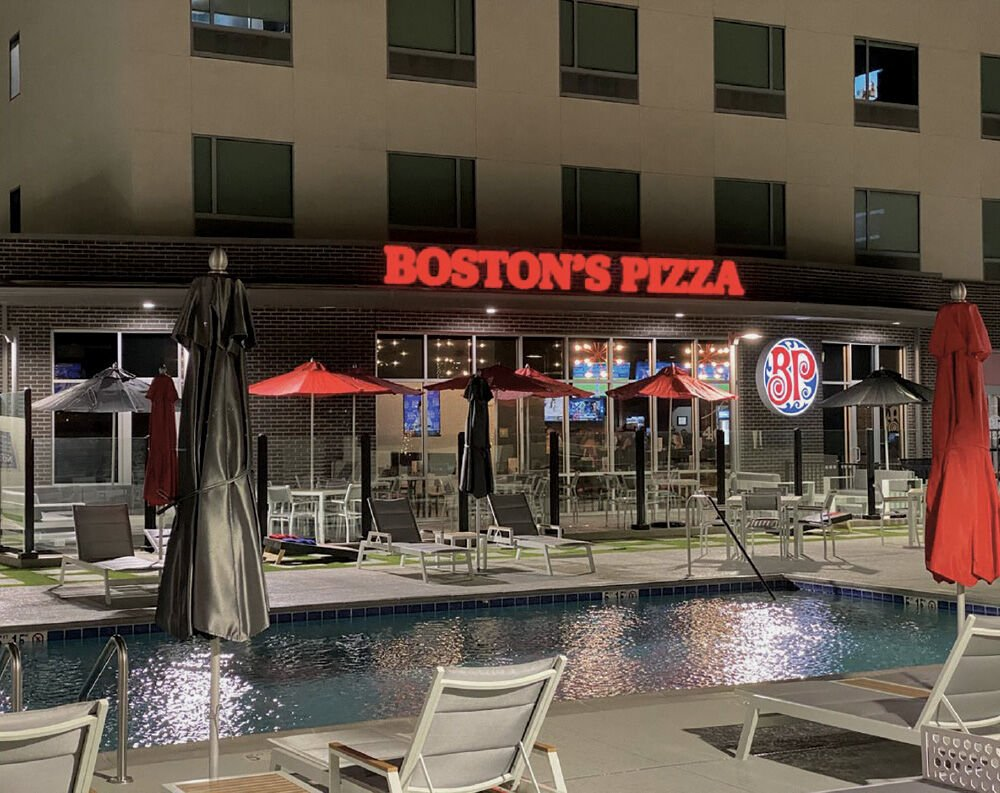 Bostons-Pizza-1000px.jpg