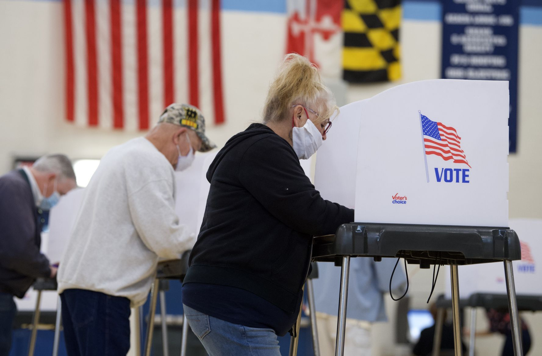 Turnout high as early voting begins in Frederick County