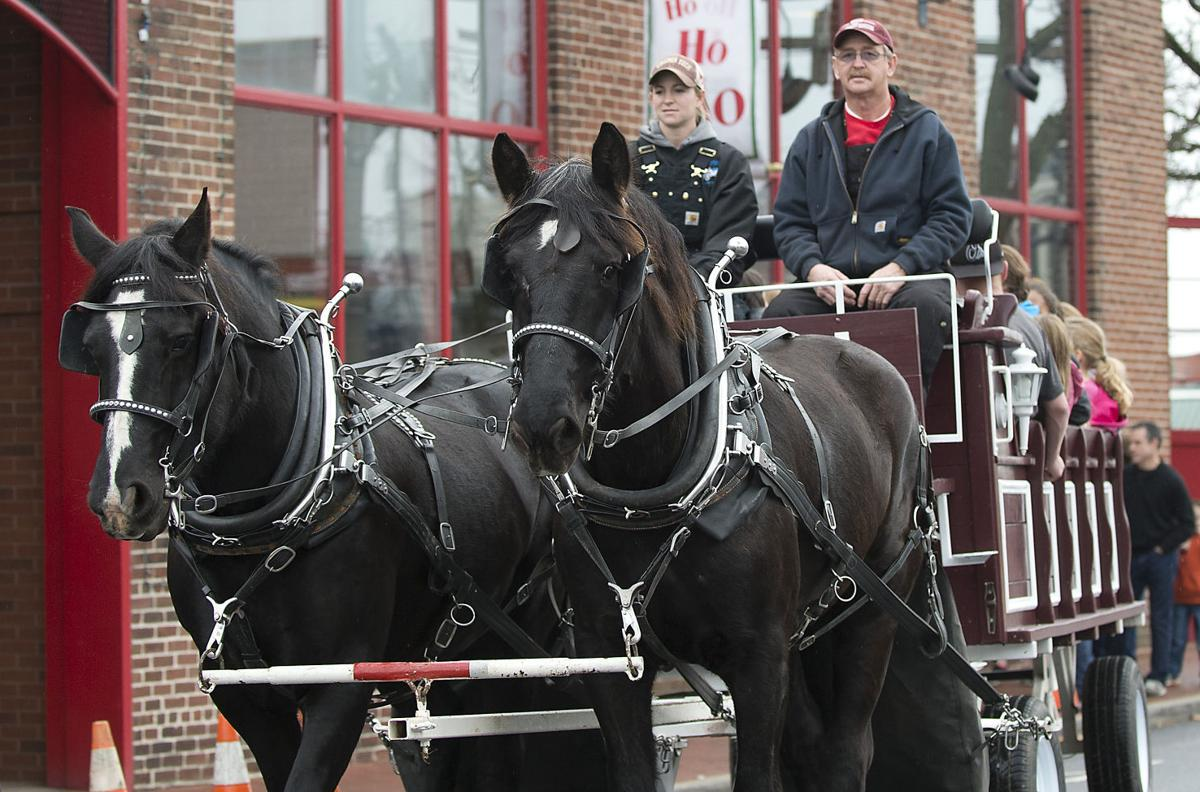 Frederick family offers downtown carriage rides for for Frederick county fairgrounds christmas craft show