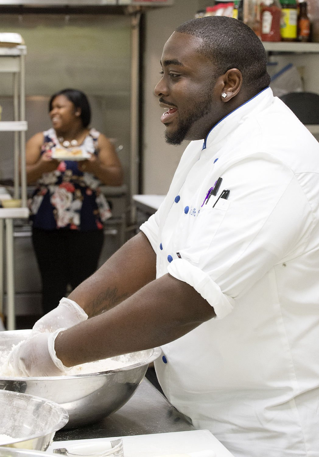 cooks vs cons local chef wins food network competition economy