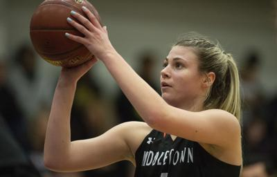 Saylor Poffenbarger, Middletown's UConn-bound star, calmly handles expectations, attention