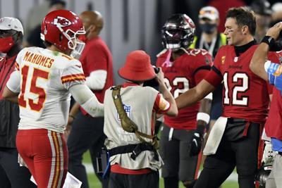 Super Bowl-Mahomes-Brady History Football