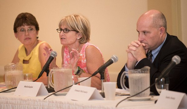 Pros, cons of Common Core debated