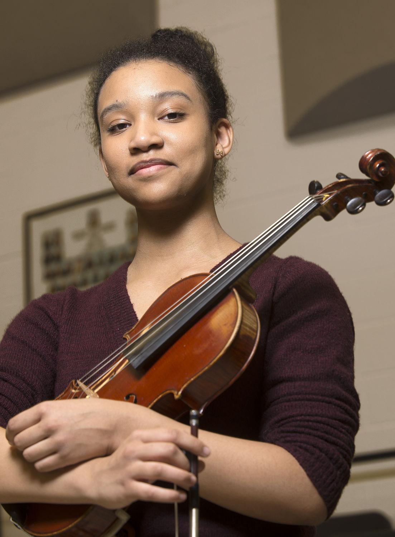 DG Violinist 1