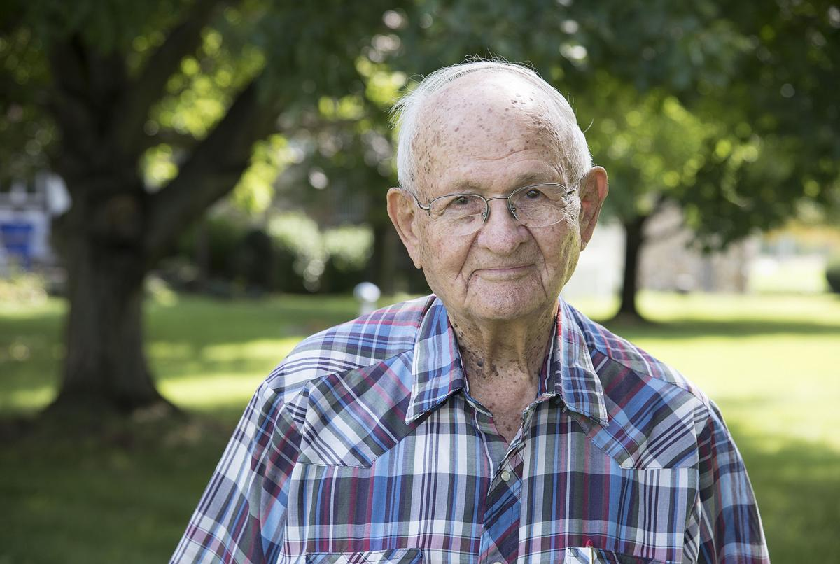 DG WWII vet Earle Browning 1