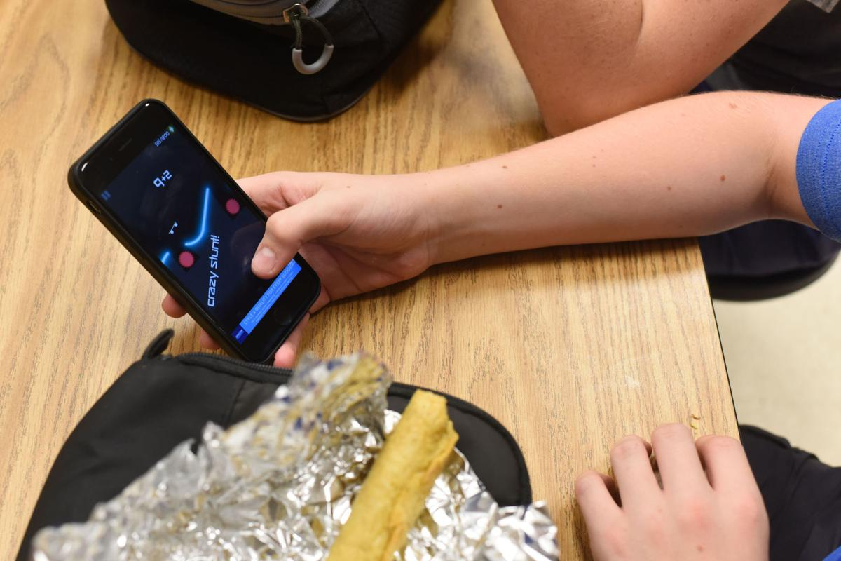 FCPS board member seeks to change student cell phone ...