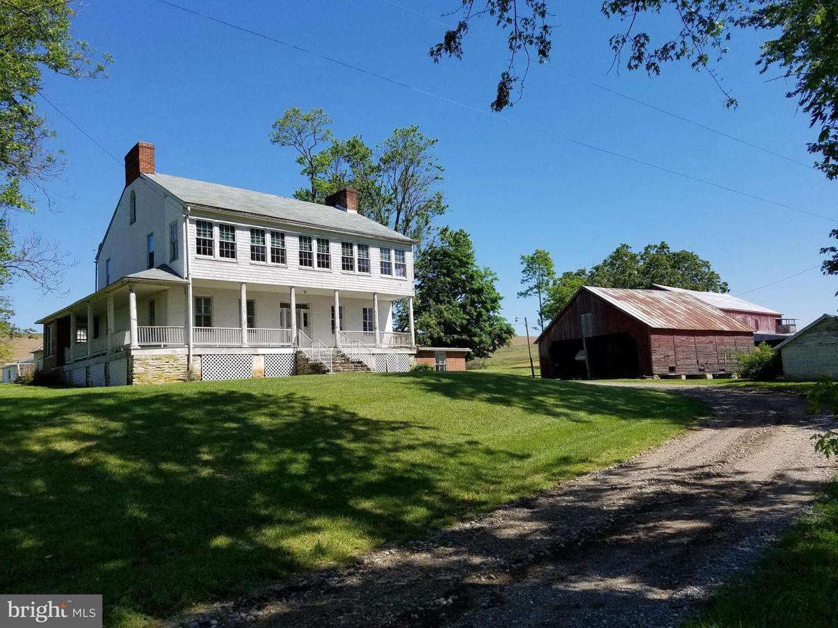 Single family farmhouse fetches 1 7m