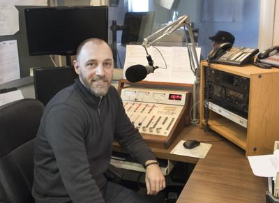 New radio station 93.5 MAX on air AE