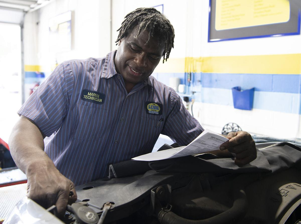 Marvin MIlls Singing Mechanic