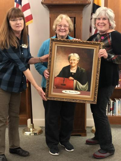 Paintings donated to Hood