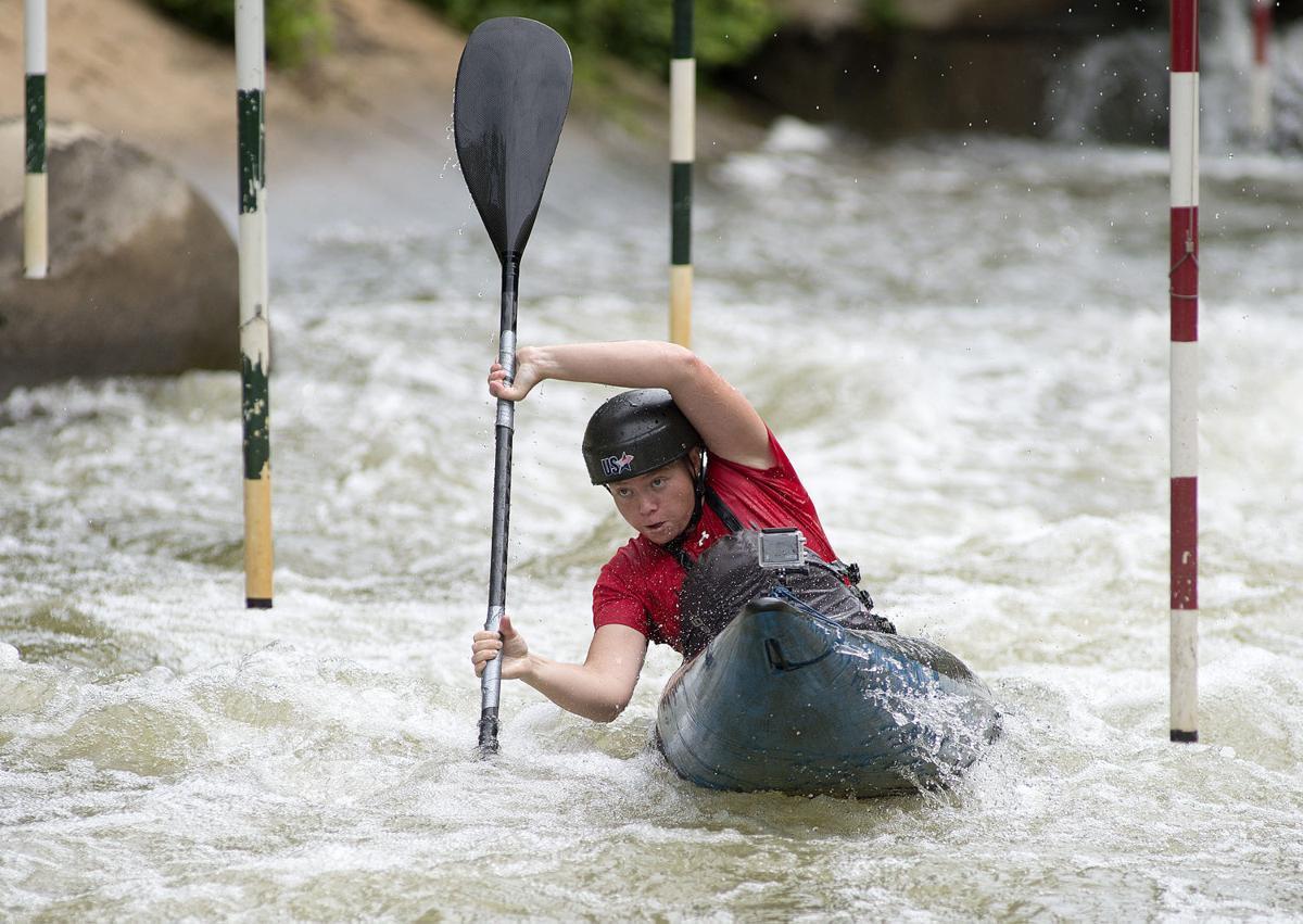DG Whitewater paddling 1