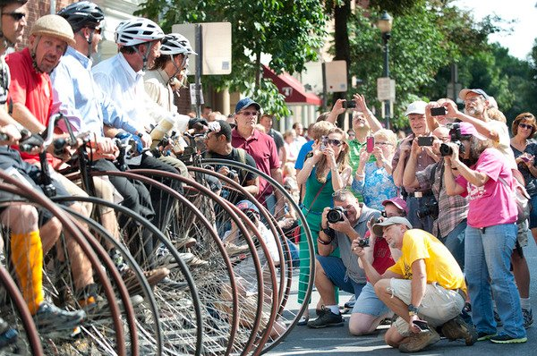 Crowd has a high old time at bike race