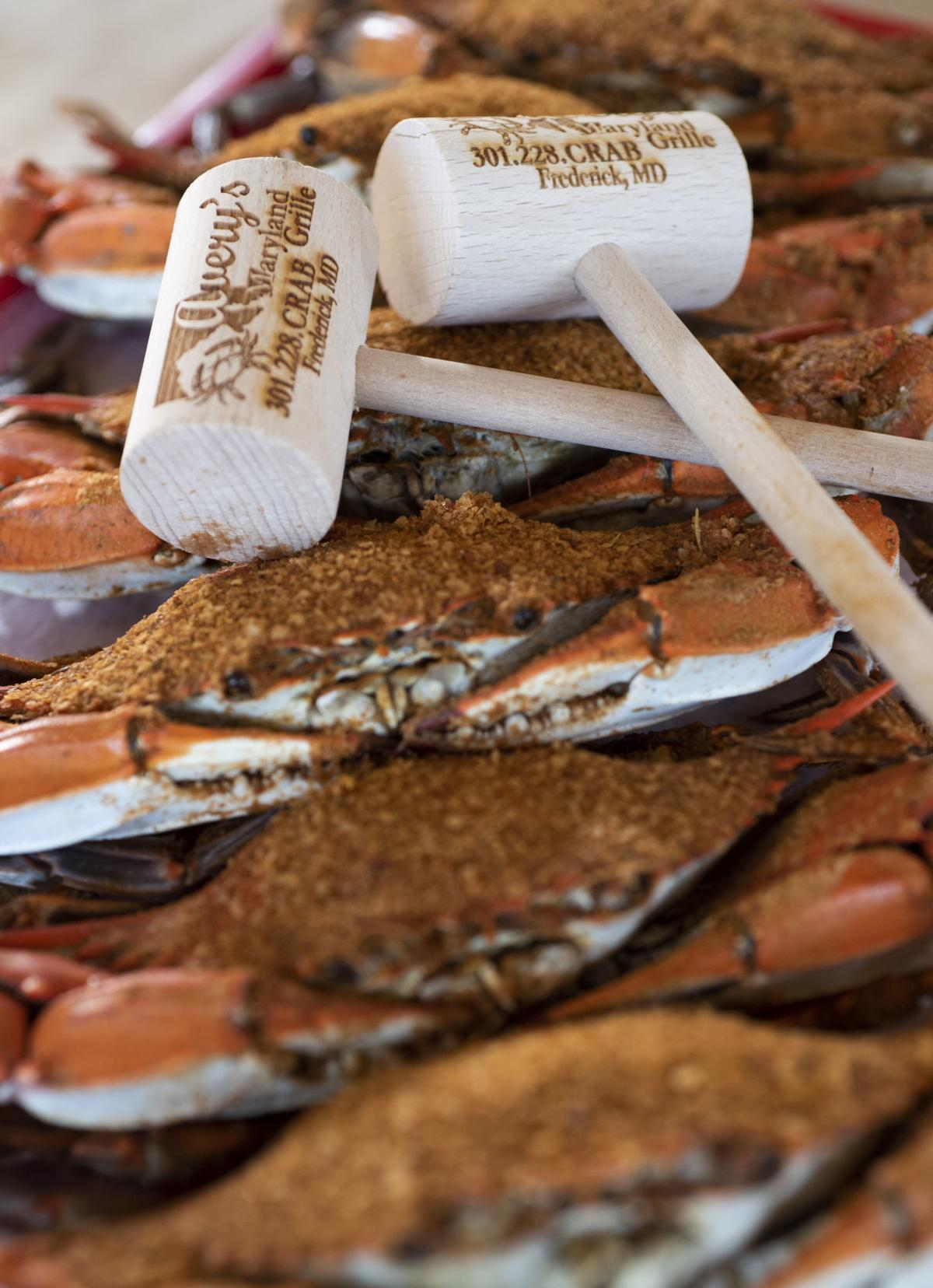 Tastebuds Order Crabs At Averys Maryland Grille A No Frills Spot For Seafood